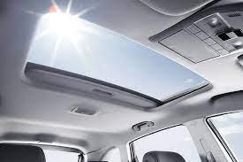 Vì sao nhiều người Việt cuồng xe có cửa sổ trời?